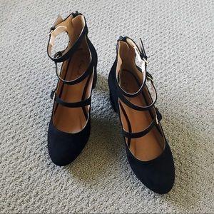 Qupid black suede triple strap heels size 7